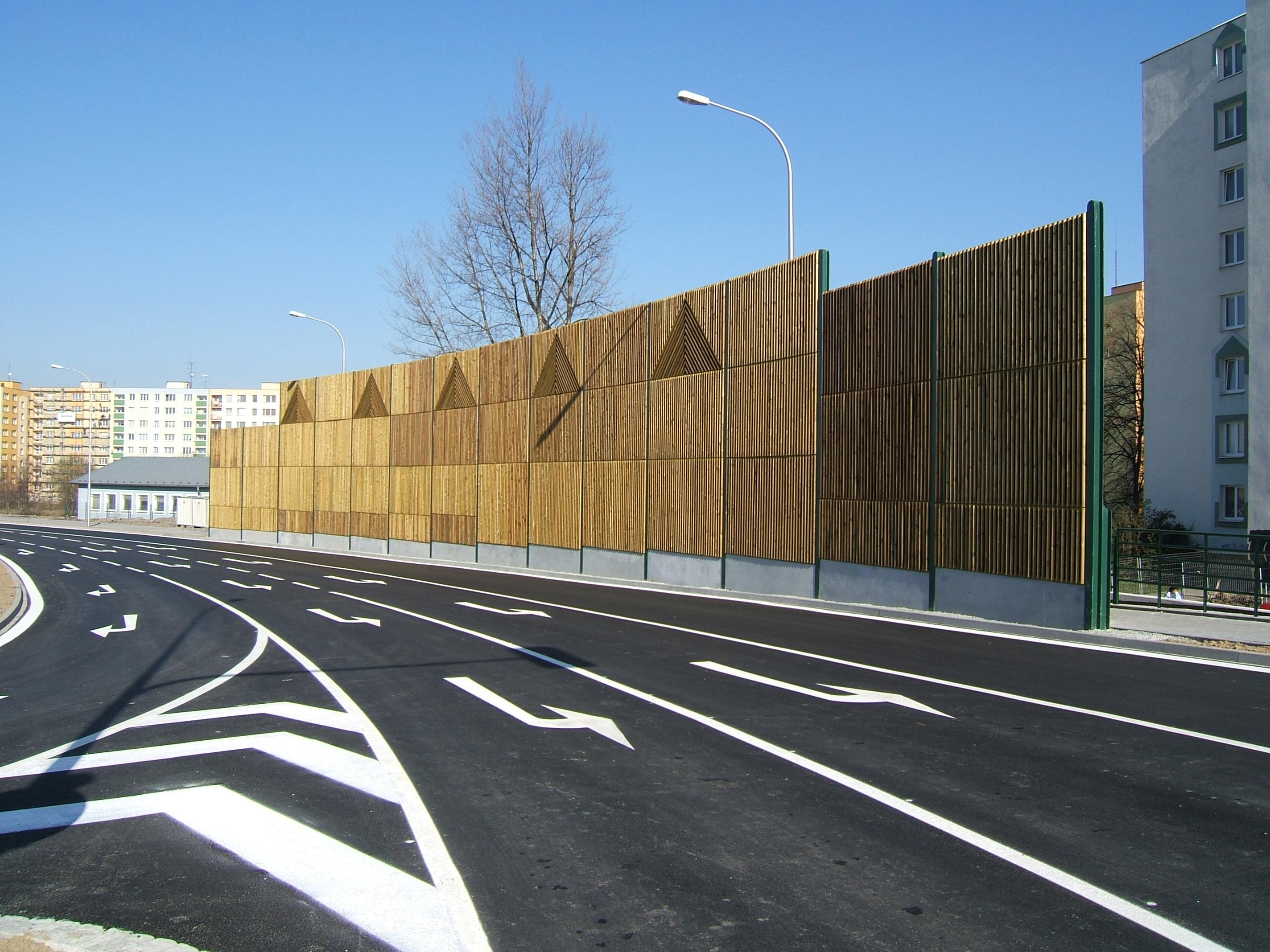 Dřevěný odrazivý panel
